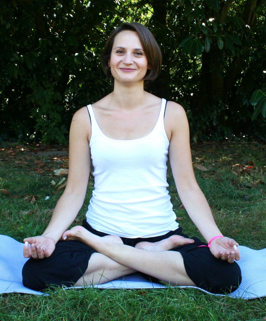 portrait-marie-yoga-yoga-tours-plll